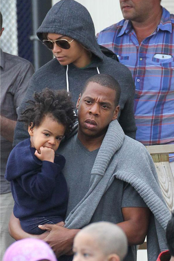 Jay-z-Beyonce-and-Blue-Ivy-New-York-City