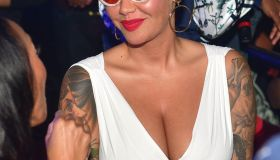 Amber Rose Host Compound