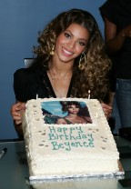 "20 Sweet Photos Of Beyonce During The ""B'Day"" Era"