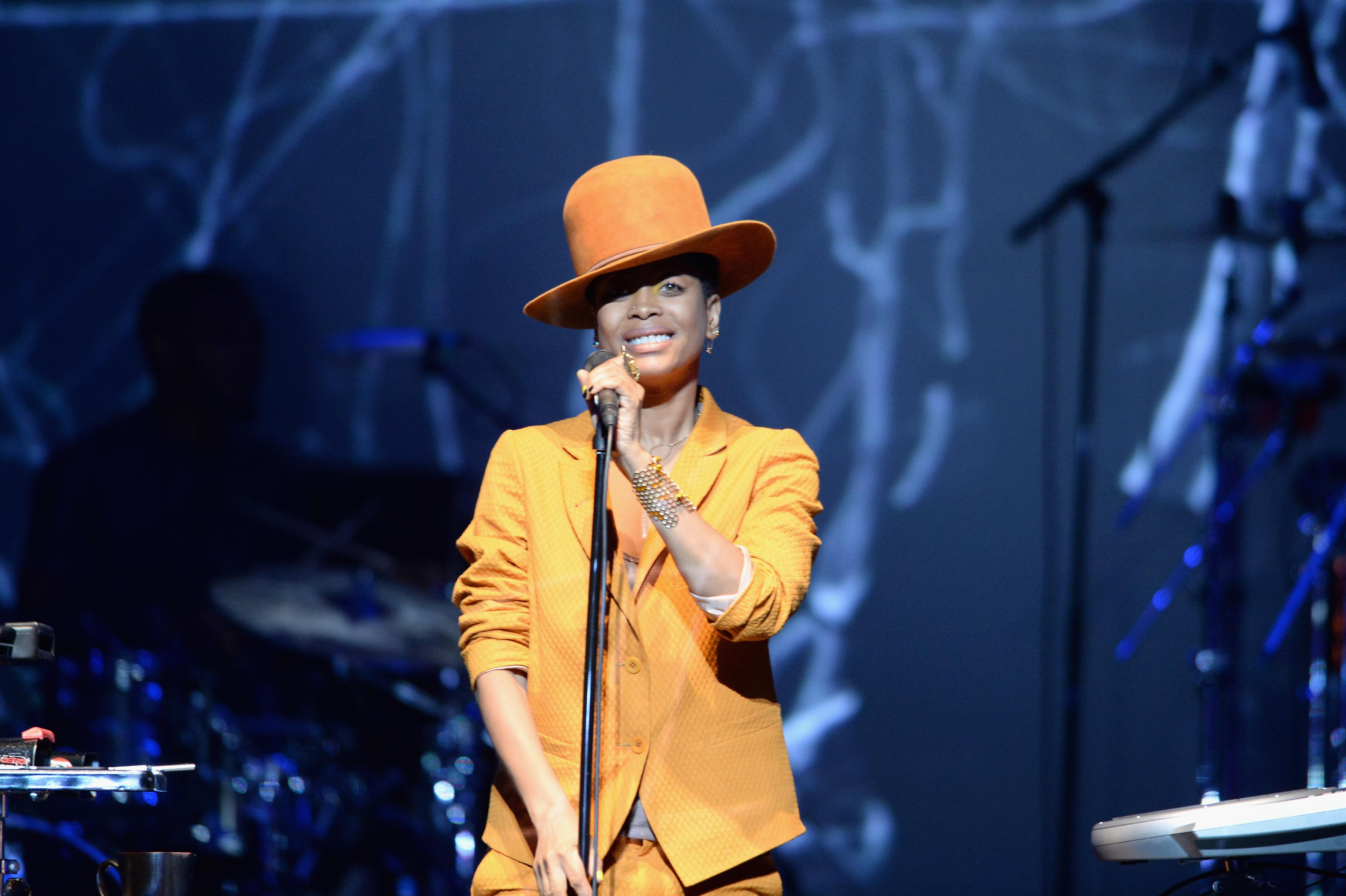 2013 BET Experience - Centric Soul Stage: Erykah Badu