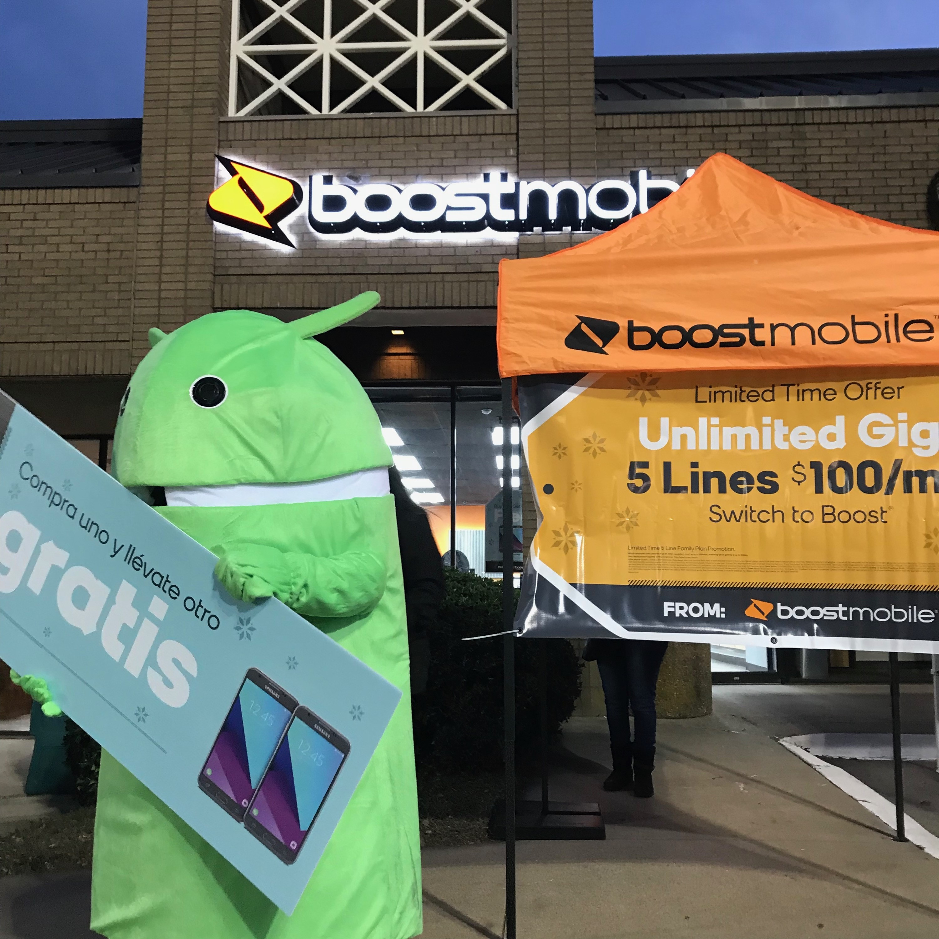 Jazzi Black Hanging Out At Boost Mobile