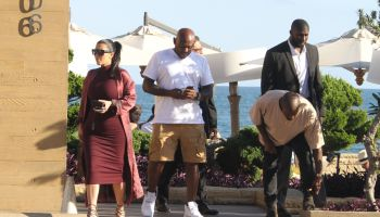 Kim Kardashian, Kanye West, and Steve Stoute eat at Nobu