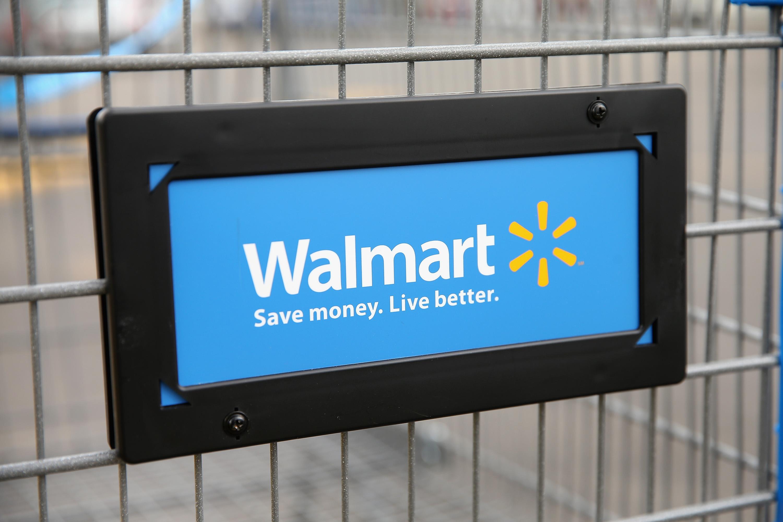 Wal-Mart Lowers Earnings Estimate After Weak Second Quarter