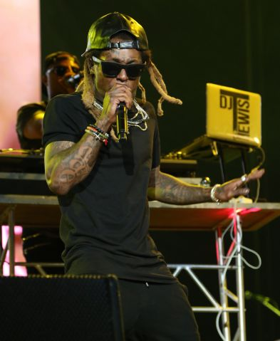 Lil Wayne performs live at Jay-Z's Made In America Music Festival