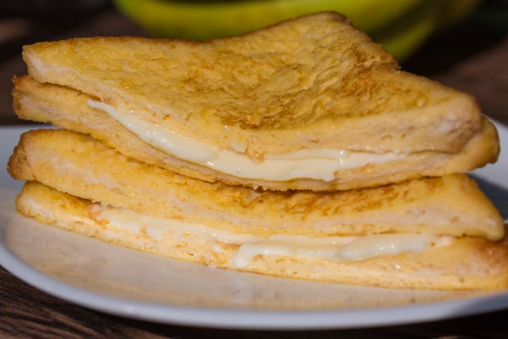 Cheesy French Toast Sandwich