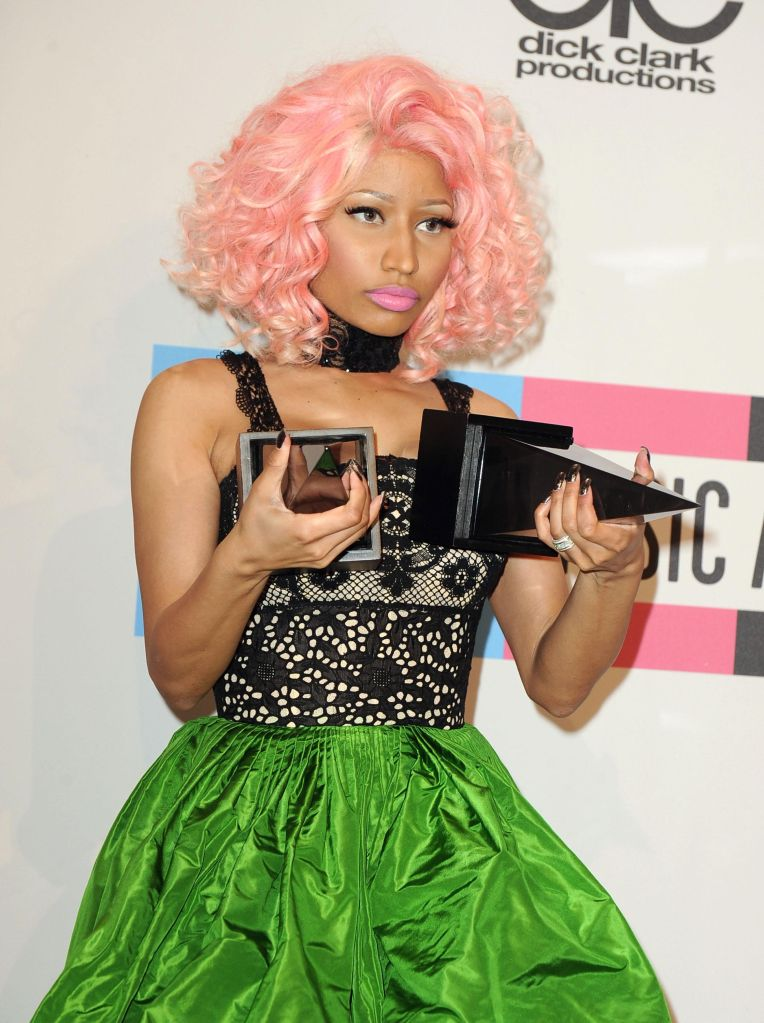 2011 American Music Awards - Press Room