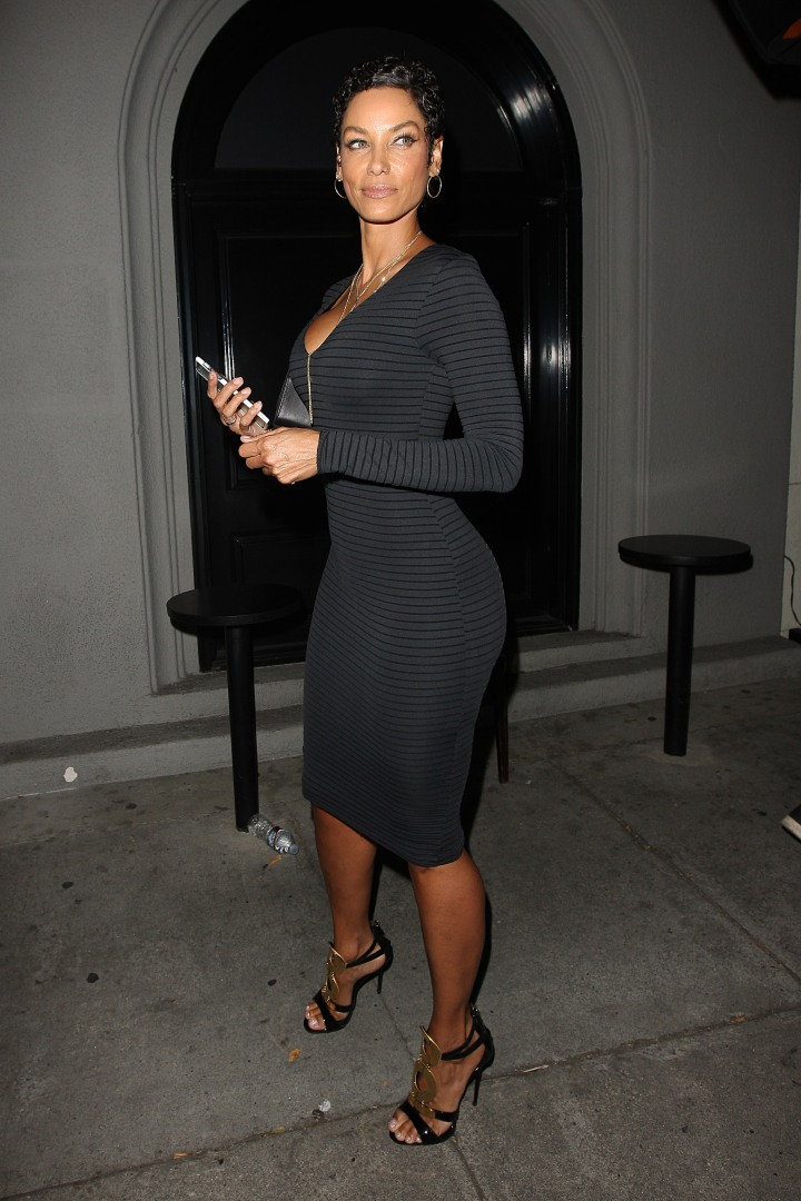 Nicole murphy has dinner at Craig's restaurant