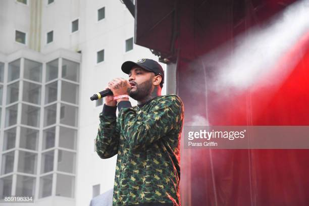 rapper-joyner-lucas-performs-onstage-in-concert-during-2017-a3c-at-picture-id859198334
