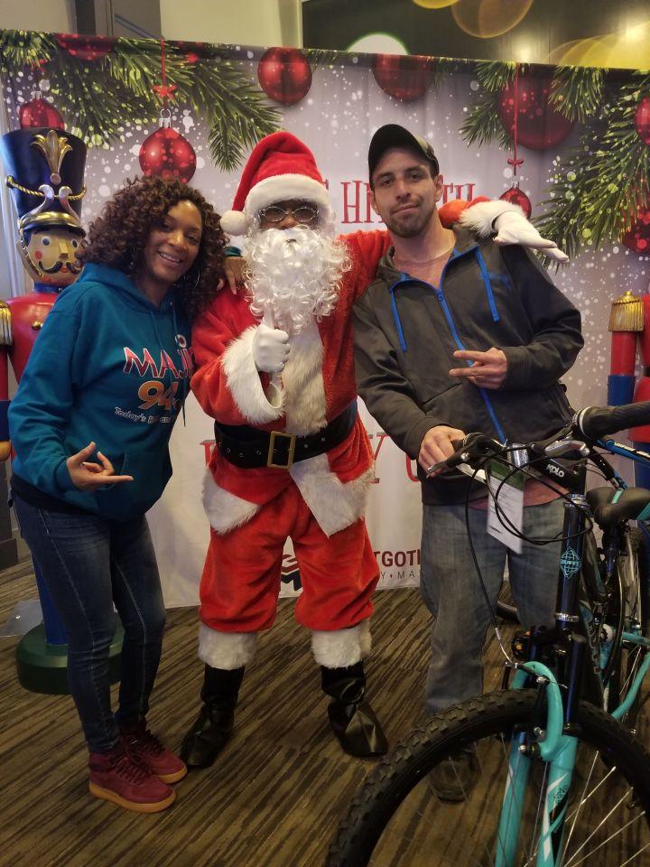 IJustGotHit.com Bike Giveaway 2018 At Dave & Buster's (PHOTOS)