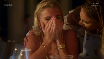 Sam and Billie Faiers: The Mummy Diaries -The Wedding