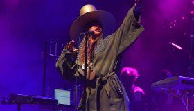 Nas and Erykah Badu perform at State farm arena